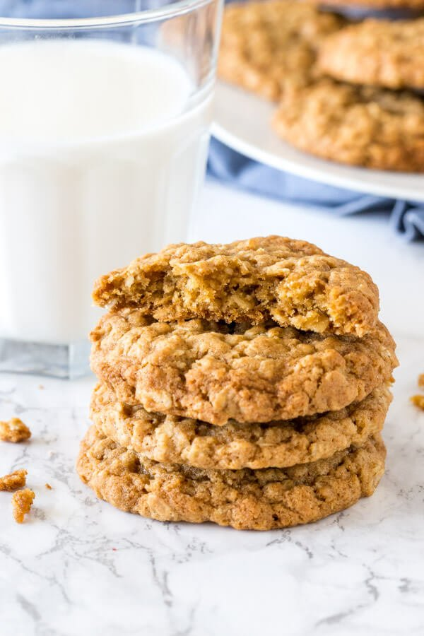 Chewy-Oatmeal-Cookies