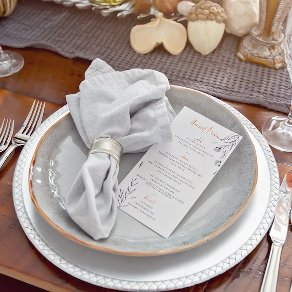 How to set a Thanksgiving table menu place settings menu cards centerpiece